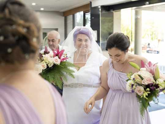 Bride arriving at Doubletree by Hilton
