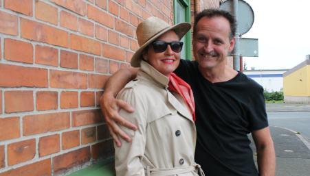 Regina Lund och Mikael Ahlberg spelar huvudrollerna i årets bruksspel i Klippan.