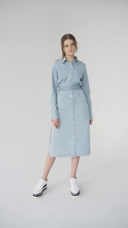 women denim midi shirt cut out dress light blue removable belt metal silver details inner side pockets epaulettes front