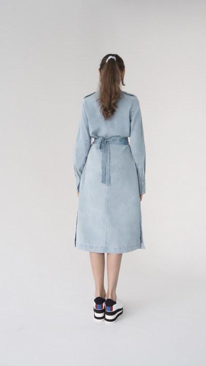 women denim midi shirt cut out dress light blue removable belt metal silver details inner side pockets epaulettes back