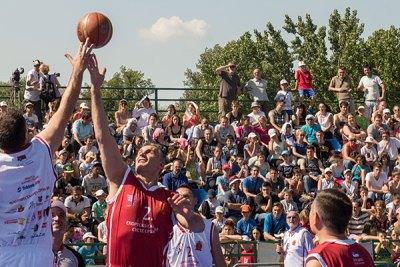 Ревијална кошаркашка утакмица на Спортском Сабрању
