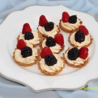 Cream Tarts With Fruits (KORZINKI)