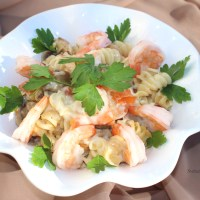 Baked pasta with shrimps