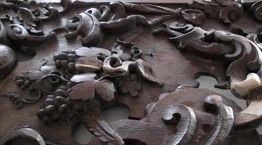 Afdækning af altertavle, prædikestol og krucifiks fra Øde Førslev Kirke