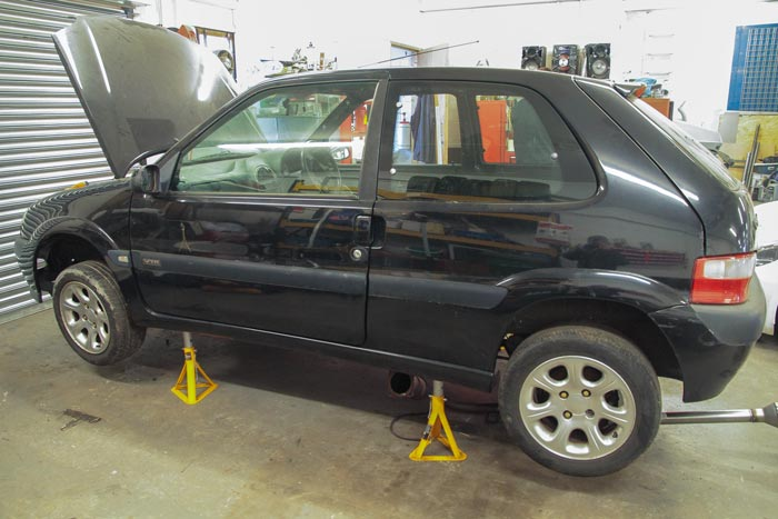 JSCC Citroen Saxo being built for Frankie Taylor