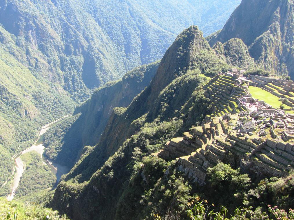 machu-picchu-cliff