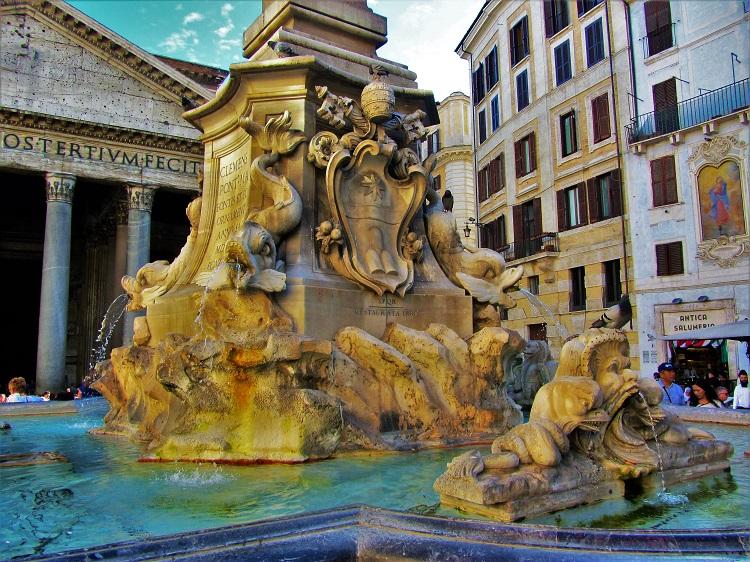 Italy - Rome - Pantheon 2