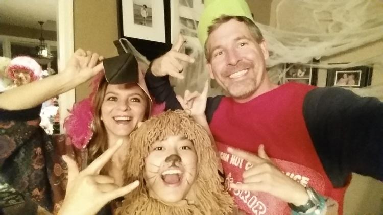 USA - Melek, Bella, & I In Costume