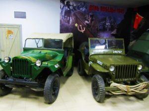 russia-vladivostok-car-museum-soviet-us-jeeps