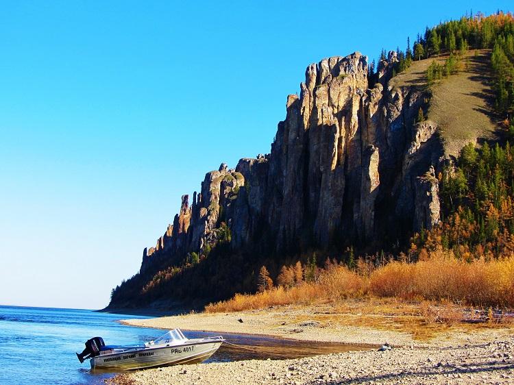 russia-potd-yakutsk-lena-pillars-from-shore