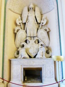 russia-st-petersburg-2-winter-palace-fireplace