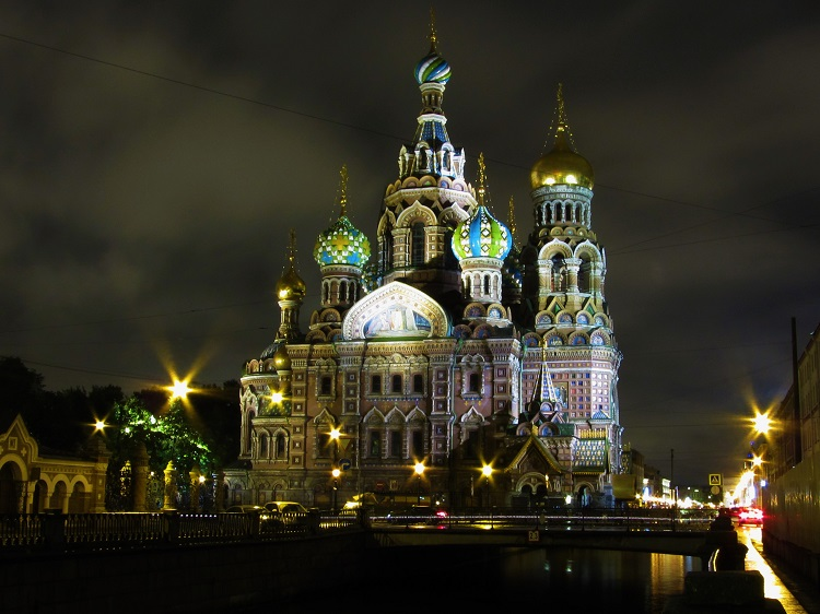 russia-st-petersburg-potd-night-of-nativity-cathedral