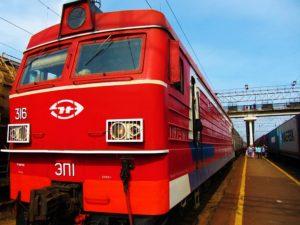 russia-train-2-vladivostok-engine