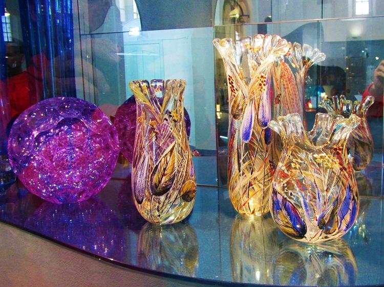 russia-vladimir-potd-church-of-st-trinity-glasswork