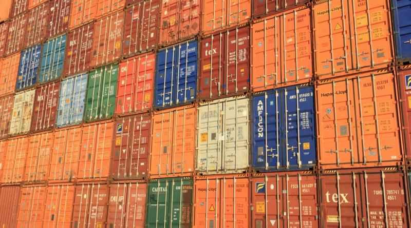 Оборот и положительное сальдо внешней торговли Словакии увеличились
