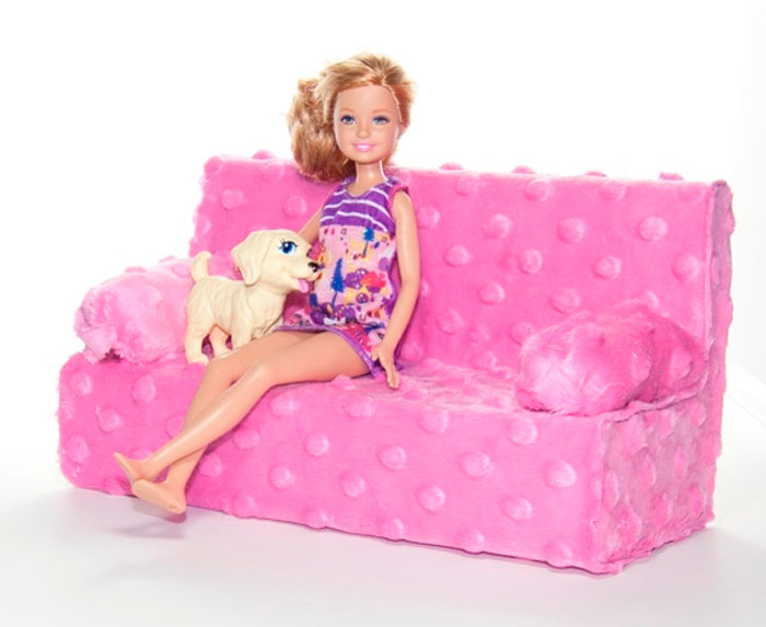 Sofa cho Barbie.