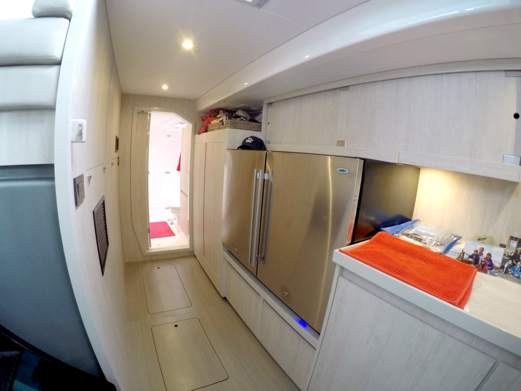 Owners Cabin facing the bow