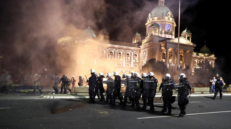Участниками беспорядков в Сербии стали наемники из американской Blackwater