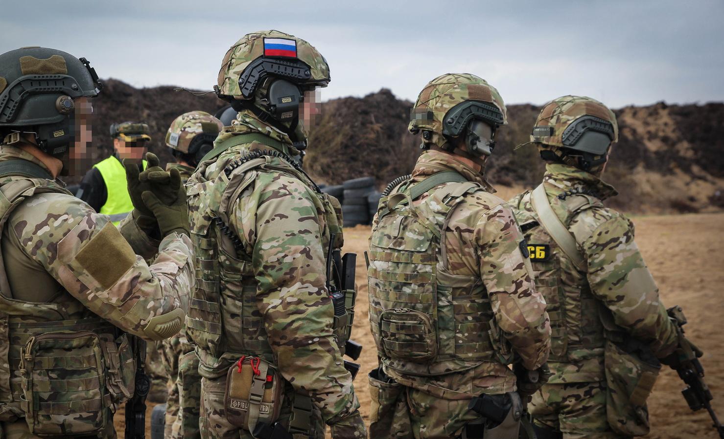Почему спецназ ФСБ пользуется камуфляжем Multicam из США?