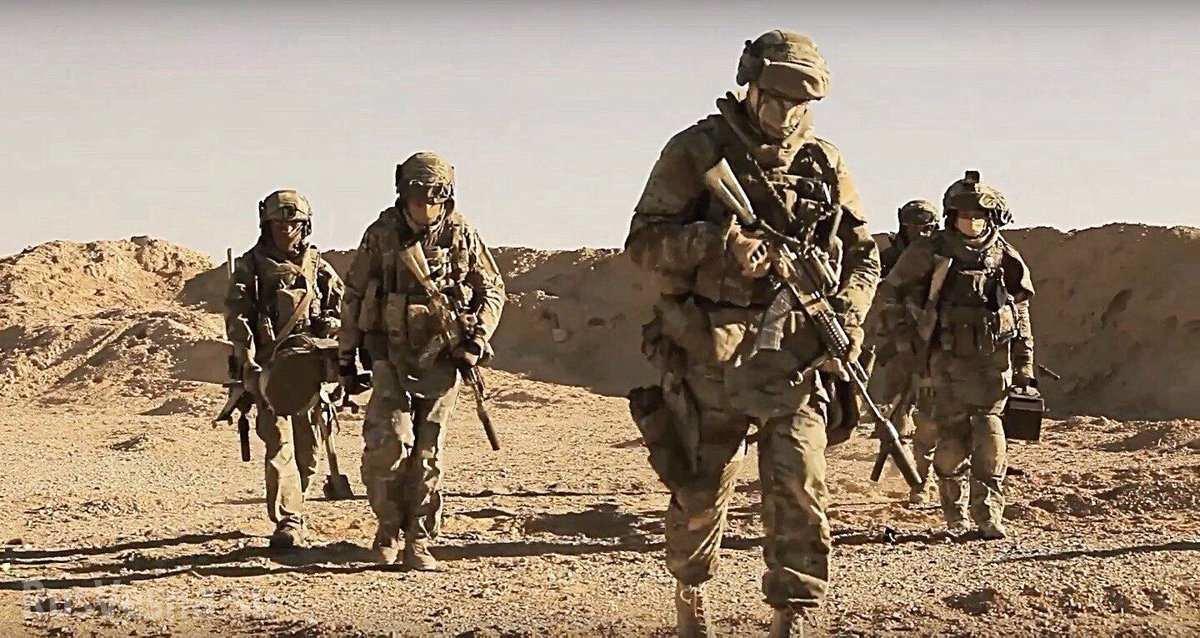 16 российских спецназовцев против 300 боевиков