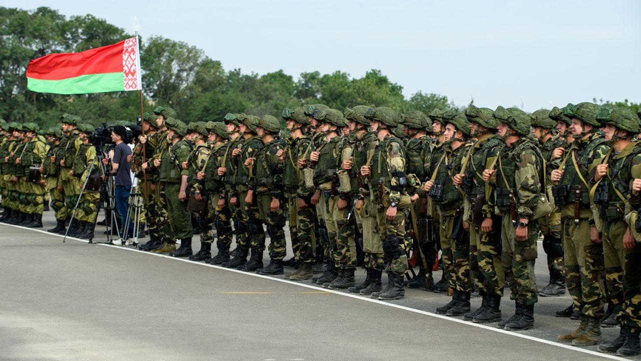 Белорусские десантники прибыли в РФ на учения «Славянское братство»