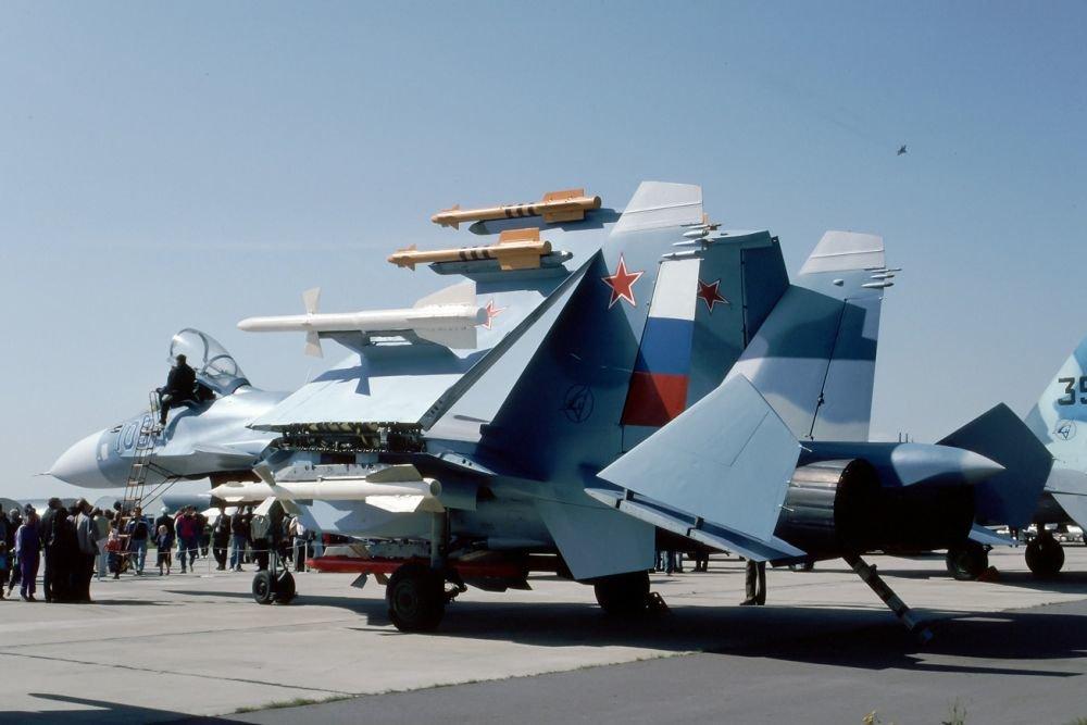 На параде в честь юбилея ВМФ России покажут палубные истребители