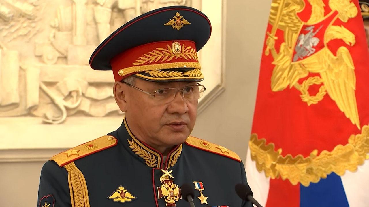 Шойгу открыл в Адмиралтействе посвященный Чесменскому сражению барельеф
