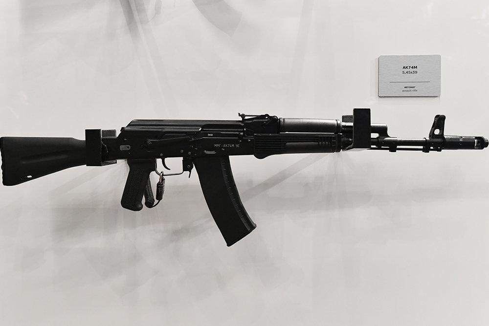 """""""Обвес"""" повысил кучность стрельбы АК-74М почти в 1,5 раза"""