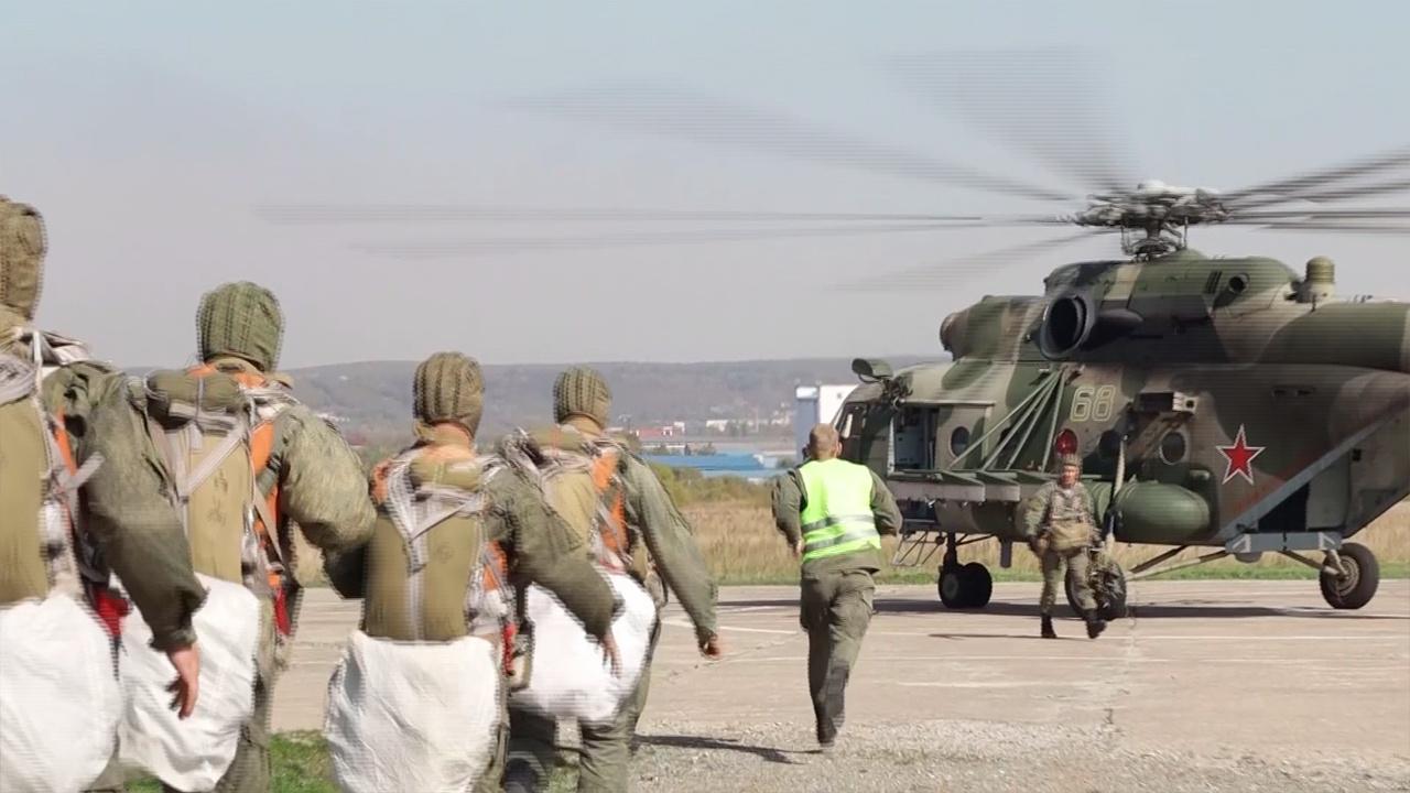Десантирование и стрельба: кадры итоговой проверки Уссурийского соединения ВДВ