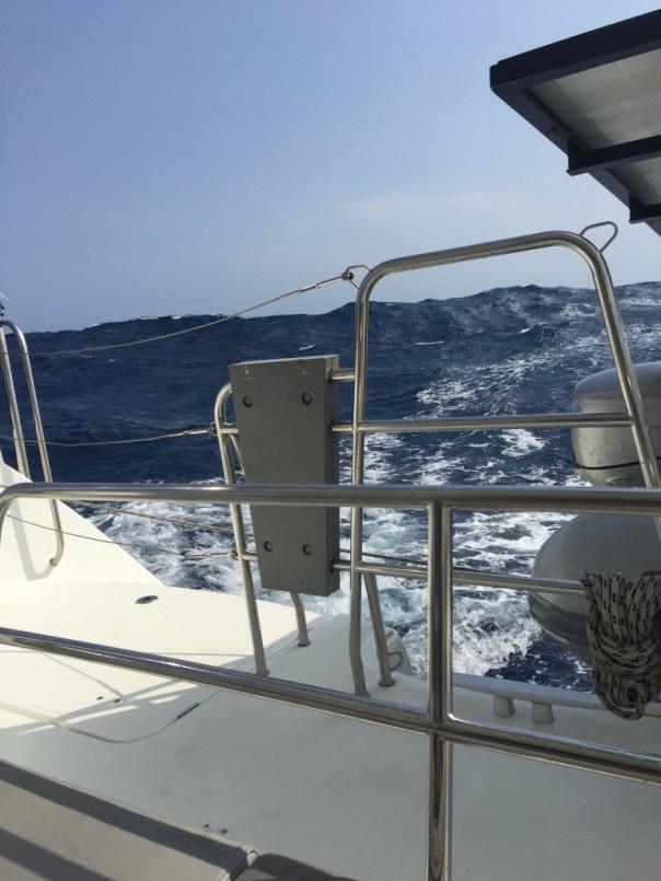 4 a 5 meter golven op weg naar cartagena