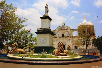 #Leon_Lions in the Parque Central
