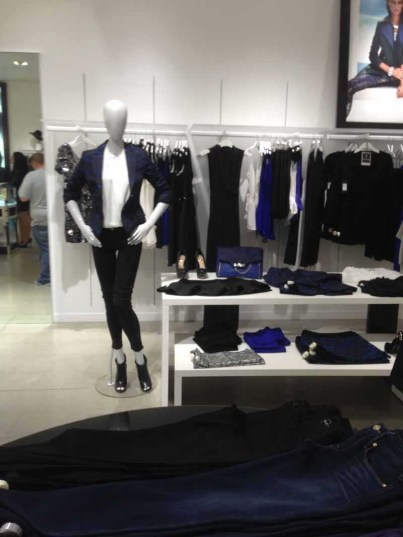 marciano store display (5)