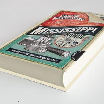 Die Mississippi Bande: Wie wir mit drei Dollar reich wurden – Gestaltung, Satz, Reinzeichnung der Innentypografie von Designbüro Swabianmedia
