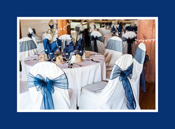 Hochzeitsdeko runder Tisch Blau
