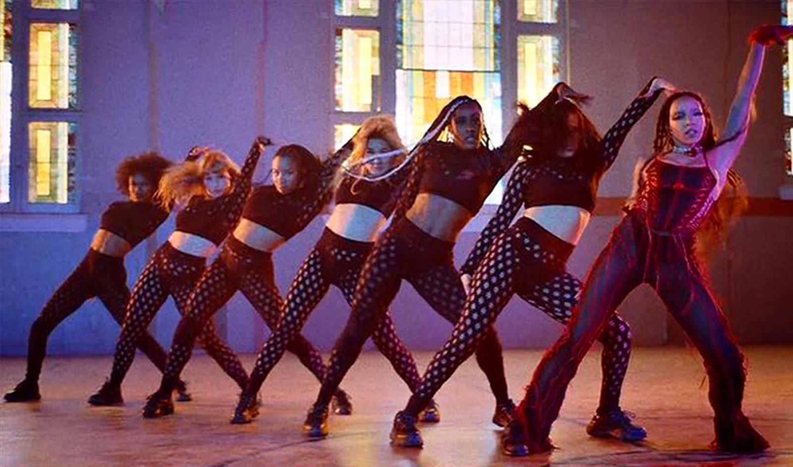 Tinashe Releases 'Bouncin' + Announces '333' Tour   SWGRUS