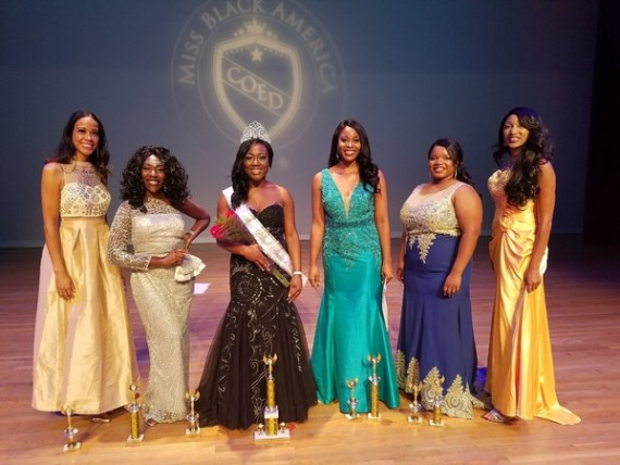 Miss Black America Coed 2018 Erica Bryant with the runner-ups and other contestants.