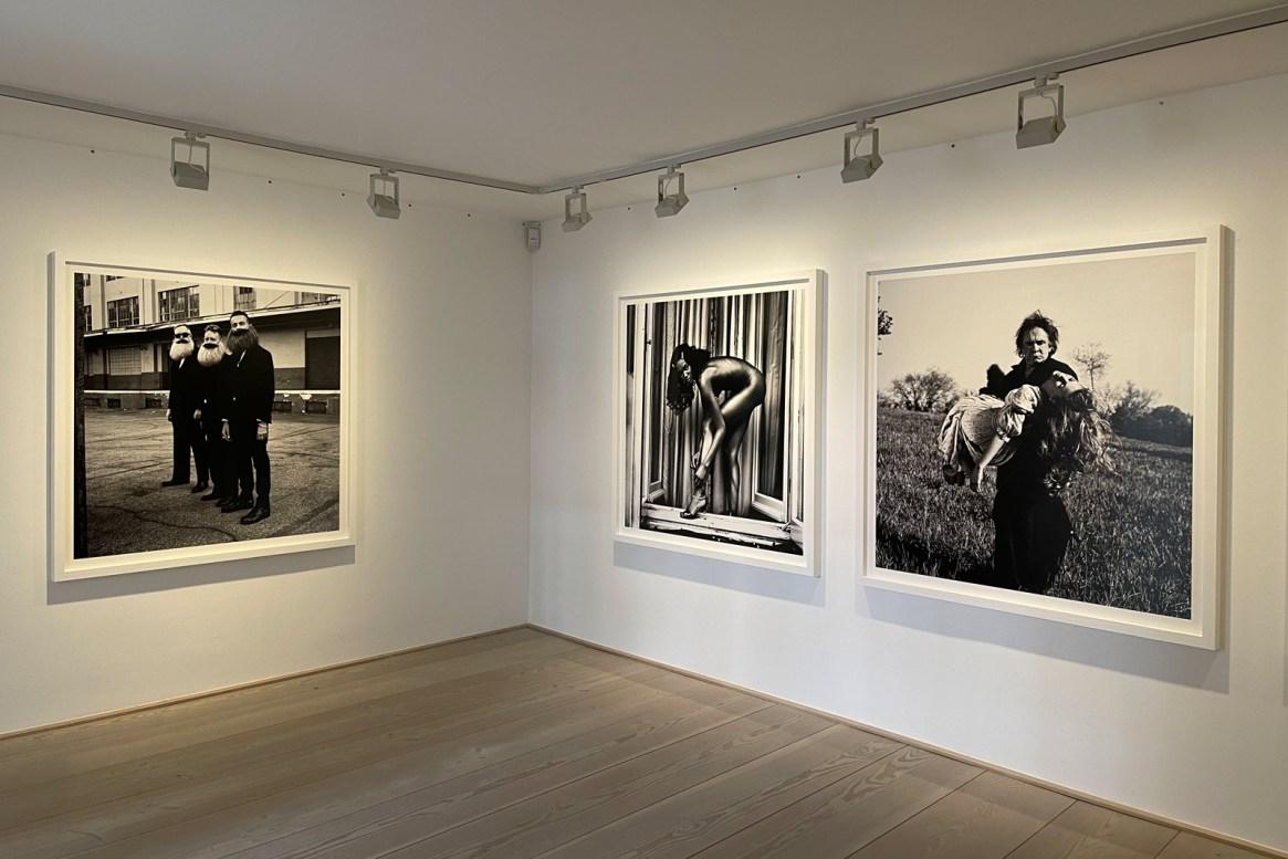 All dressed up - Galerie Beckers - Anton Corbijn