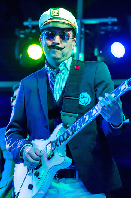 MH Super Bowl 4