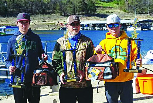The team of Hunter Bissell and Ty Whisenhunt won first place in the high school division at the Seige on Bull Shoals Saturday. Pictured left to right: Hunter Bissell, Rusty Whisenhunt and Ty Whisenhunt. Photo by Rochelle Bissell