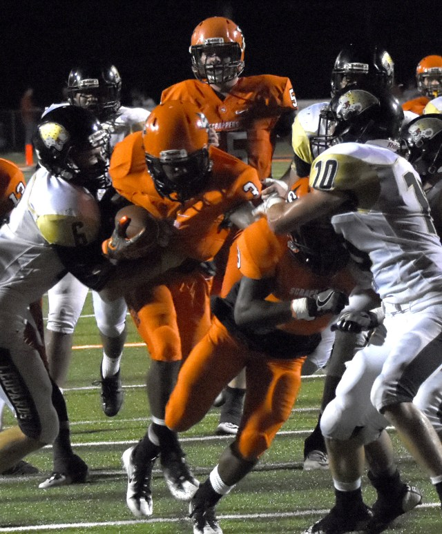 Dominick Kight (3) moves the ball.