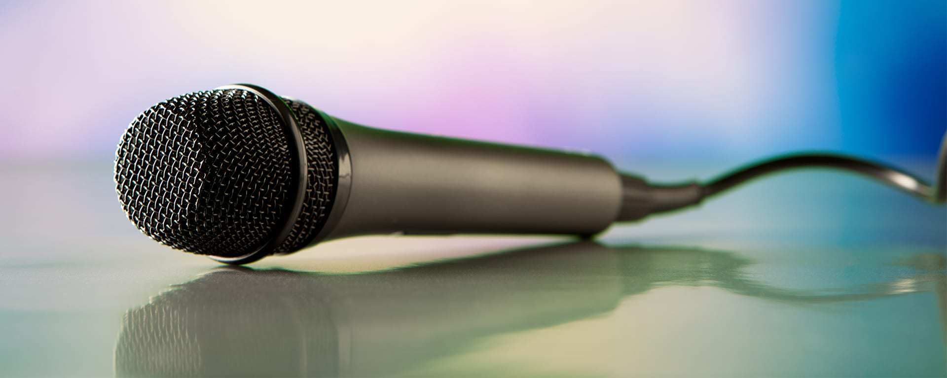 Microphone image representing Swartz Consulting speaking engagements