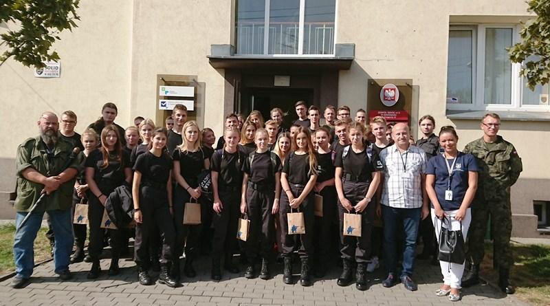 Agencja Mienia Wojskowego u uczniów  II LO w Swarzędzu