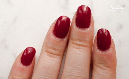 Catrice Ultimate nail lacquer in 17 Caught on the red carpet