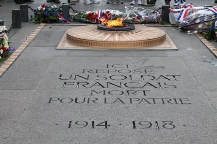 The memorial at Arc De Triomphe