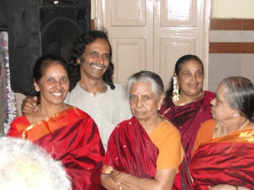 Paati's three children and her sister