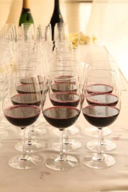Fine wine and dine