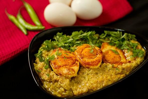 Dim Poshto - Bengali Style Eggy Curry