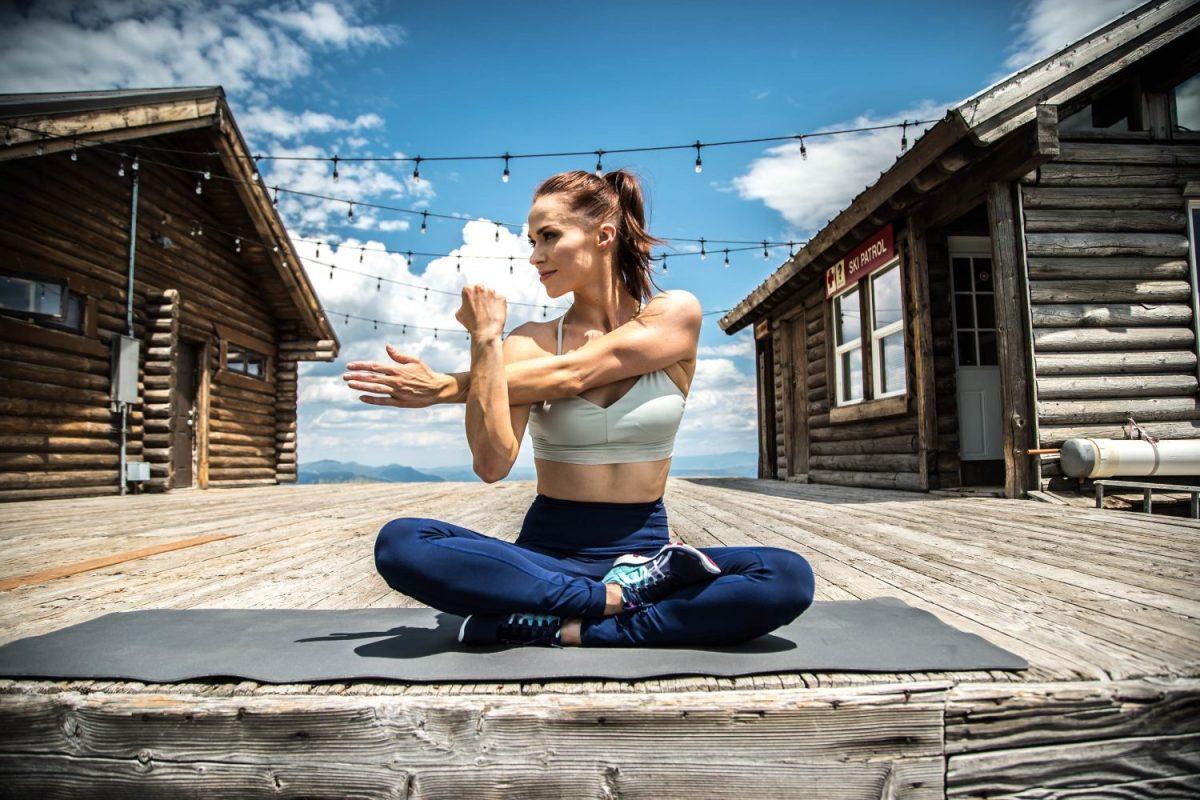 SWEAT by SlimClip Case Ashleigh-DiLello12-e1551231524443 Ashleigh De Lello | Against the Odds yoga women nutrition health fitness exercise