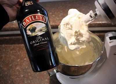 5-Dessert-Nerd-Bailey's-Bourbon-Cheesecake-booze