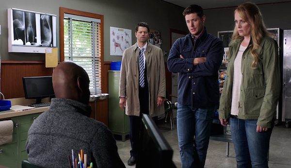 8-supernatural-season-twelve-episode-one-s12e1-keep-calm-and-carry-on-castiel-dean-mary-winchester-misha-jensen-samantha